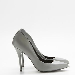 Steve Madden Gray Leather Pointed Pumps